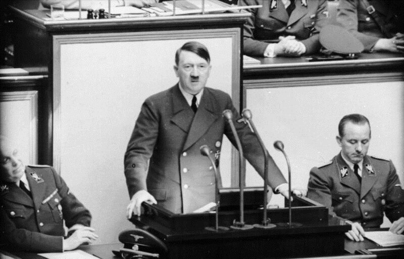 Adolf Hitler przemawia w Reichstagu, maj 1941
